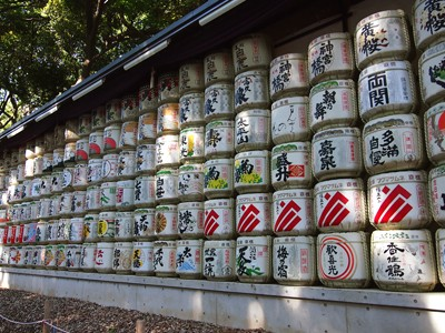 Sake barrels, offerings to the enshrined deities
